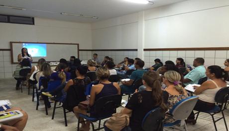 COF visita clínicas-escola em Feira de Santana