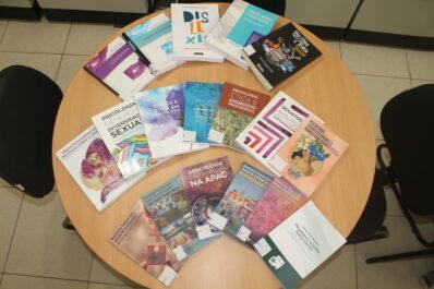 Biblioteca do CRP-03 recebe novos títulos